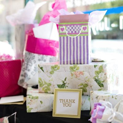 5 Amazing Gifts You Can Give At A Wedding